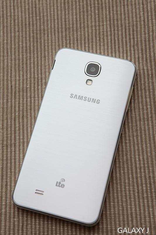 Samsung_Galaxy_J_002.jpg