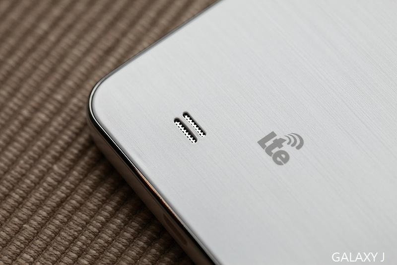 Samsung_Galaxy_J_010.jpg