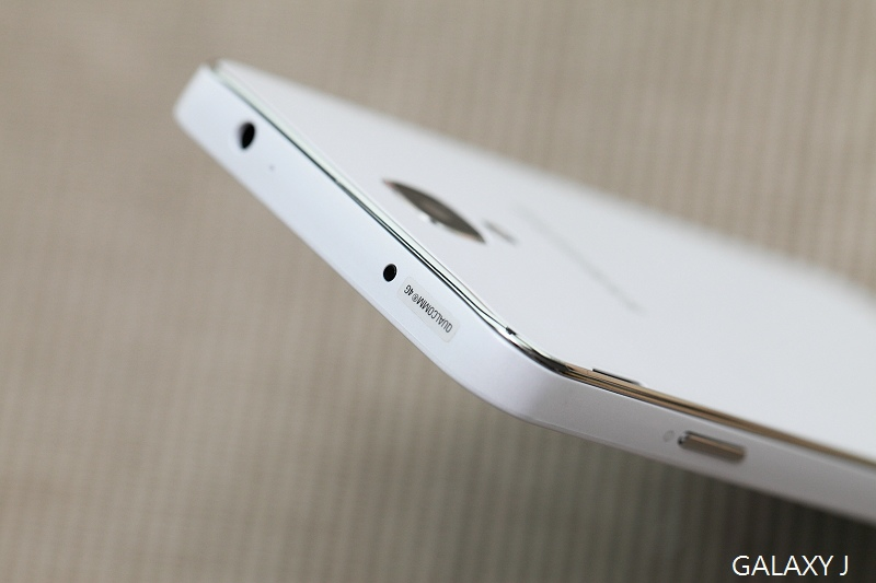 Samsung_Galaxy_J_029.jpg