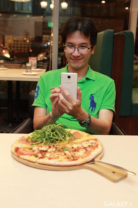 Samsung_Galaxy_J_064.jpg