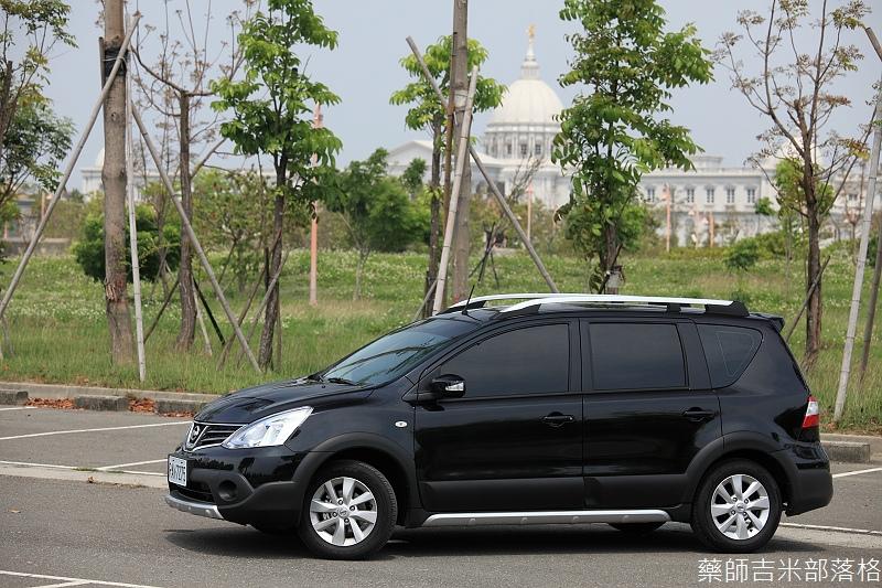 Nissan_LIVINA_007.jpg
