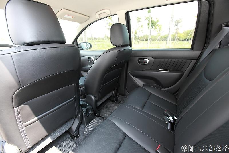 Nissan_LIVINA_068.jpg