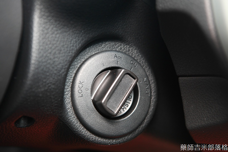 Nissan_LIVINA_099.jpg