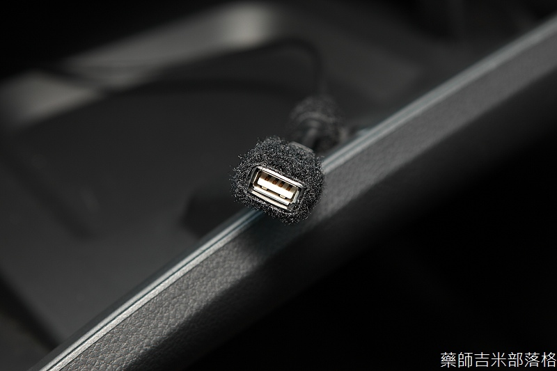 Nissan_LIVINA_105.jpg