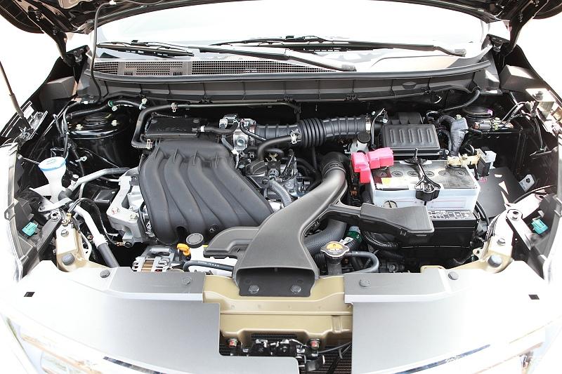 Nissan_LIVINA_109.jpg