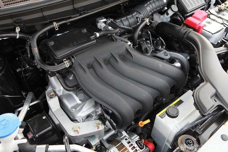 Nissan_LIVINA_112.jpg