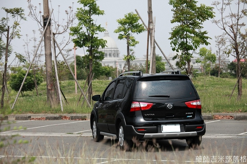 Nissan_LIVINA_034.jpg