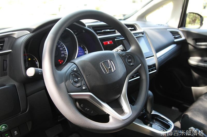 Honda_Fit_095.jpg