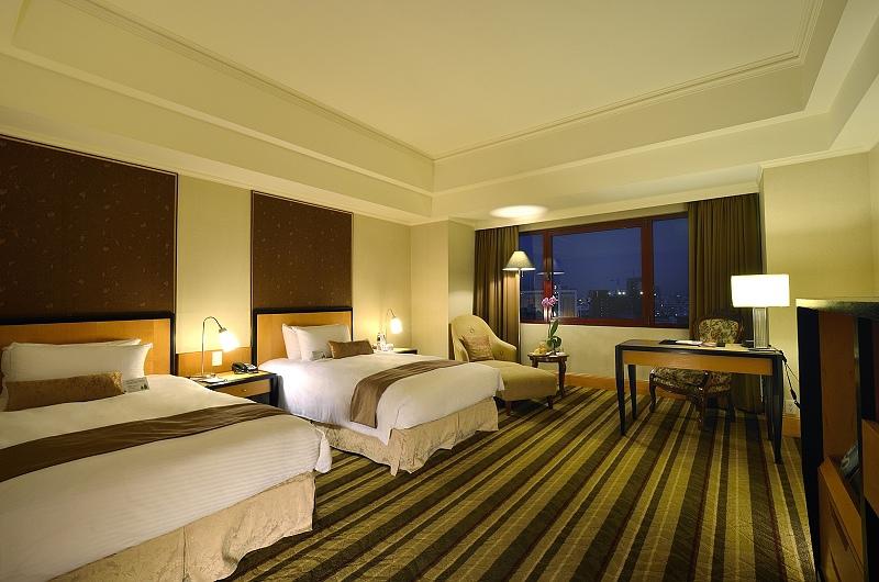 0麗尊酒店-2299卓越客房.jpg