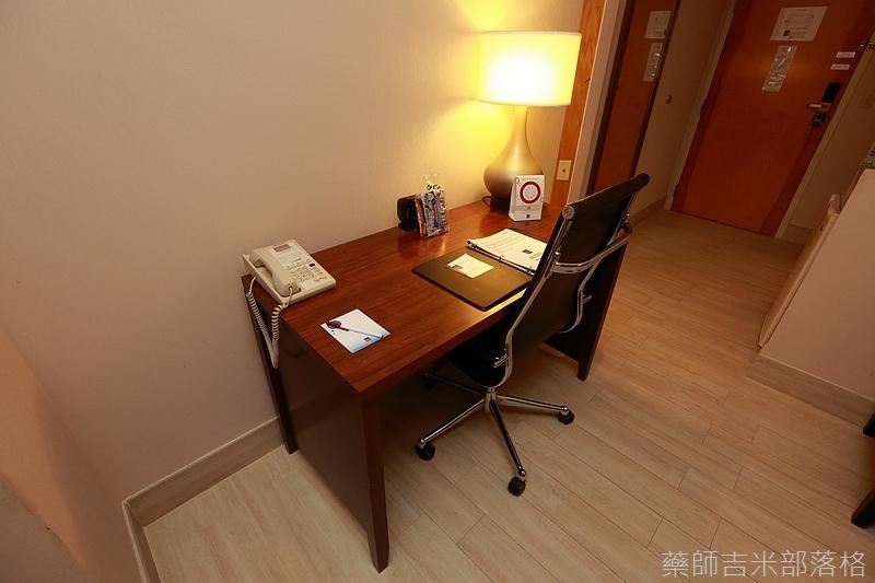 Comfort_Suits_012.jpg