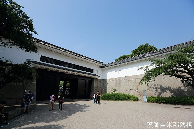 Osaka_Castle_040.jpg
