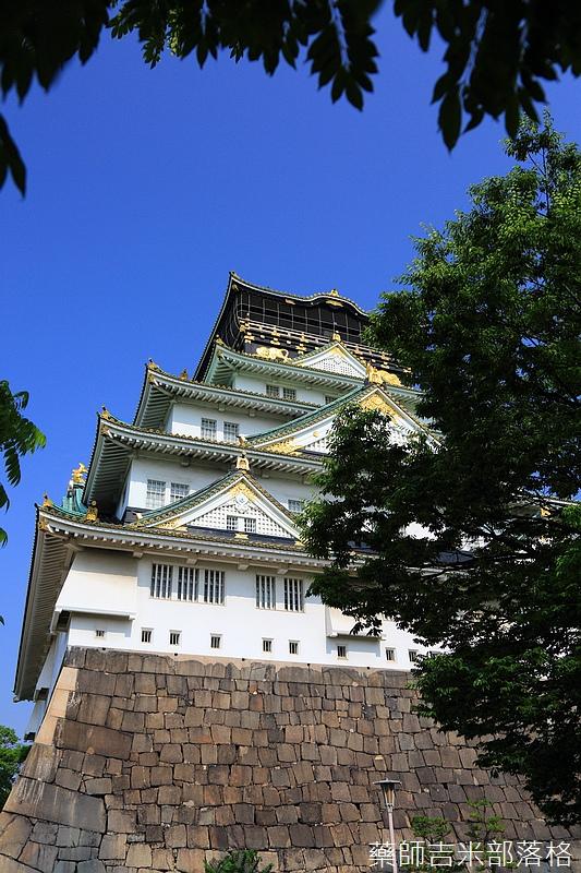 Osaka_Castle_102.jpg