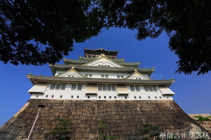 Osaka_Castle_122.jpg