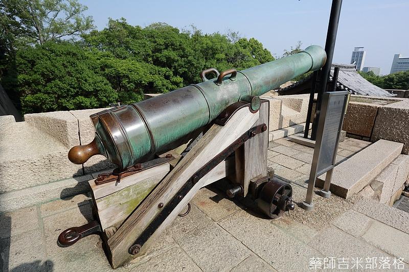Osaka_Castle_145.jpg