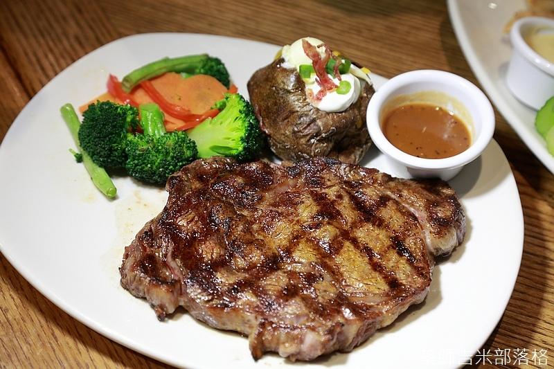 American_Steakhouse_193.jpg