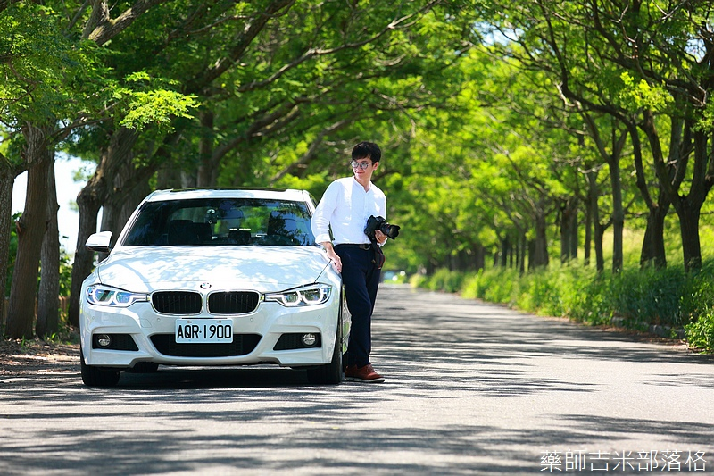 BMW_330i_093.jpg