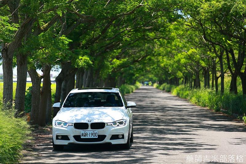 BMW_330i_169.jpg