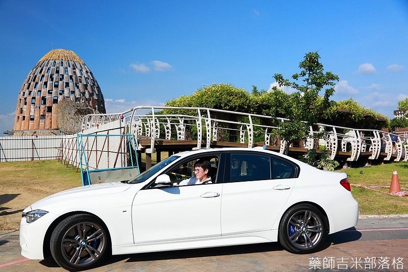 BMW_330i_461.jpg