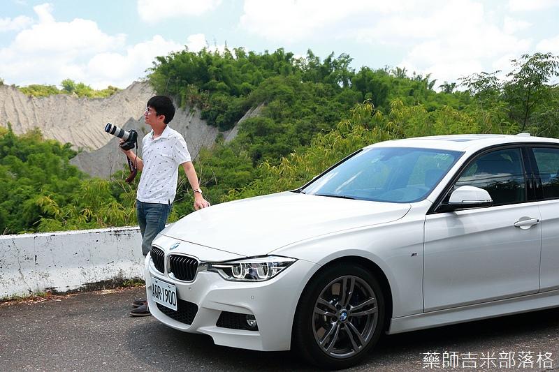 BMW_330i_626.jpg