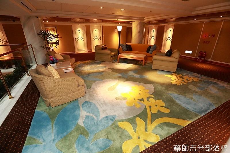 Riviera_Hotel_Steak_365.jpg