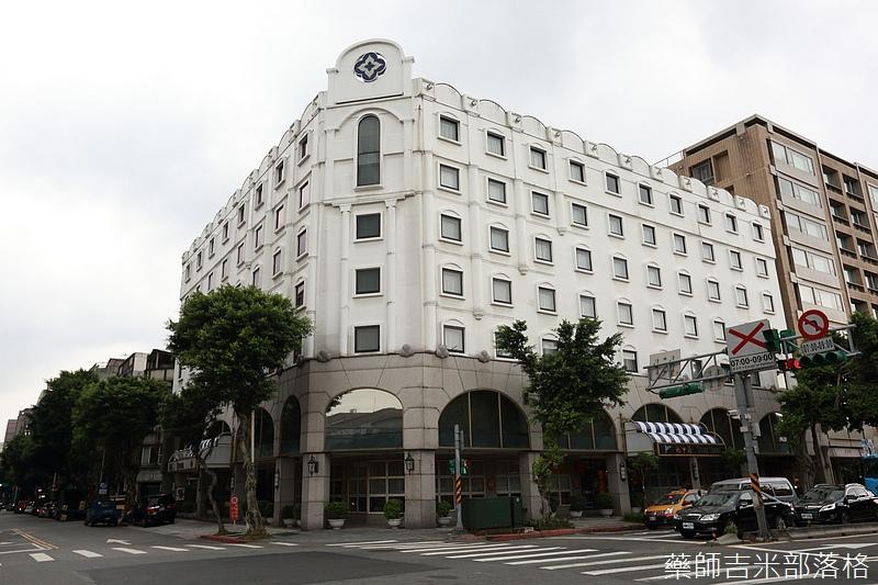 Riviera_Hotel_Steak_380.jpg