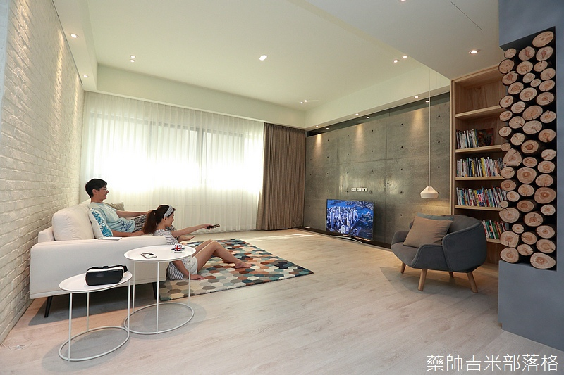 Samsung_UHDTV_KU6300W_073.jpg