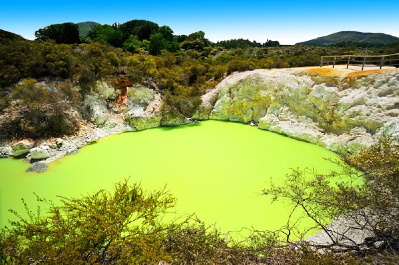 Wai-O-Tapu-紐西蘭- 惡魔的澡堂.jpg