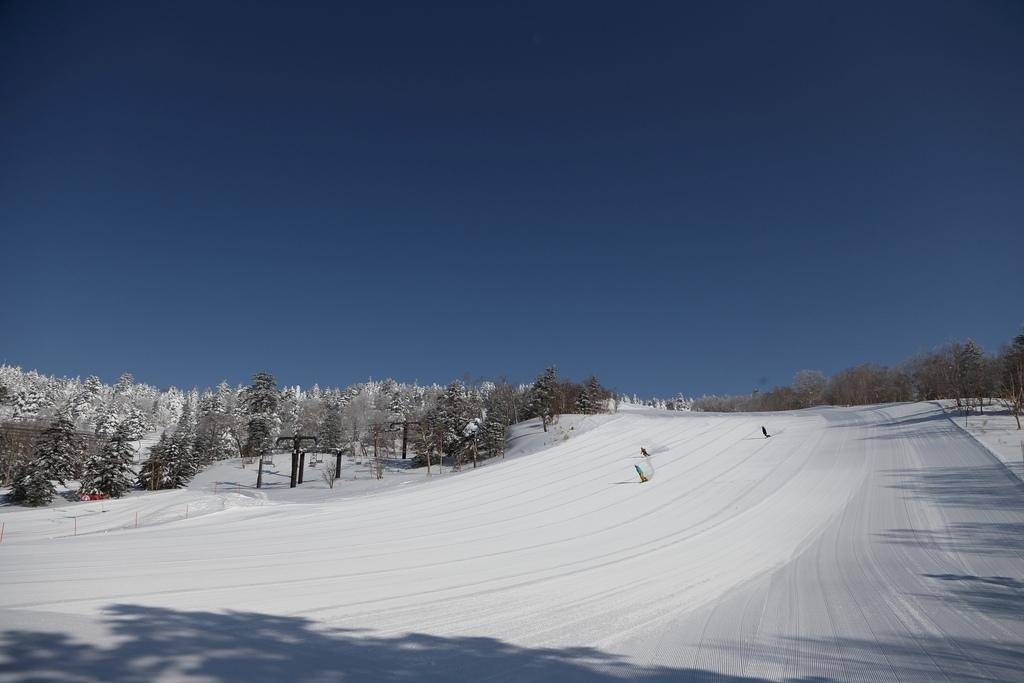 滑雪場全景