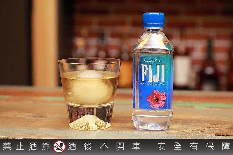 FIJI_Water_113.jpg