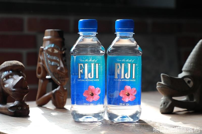 Fiji_Water_131.jpg
