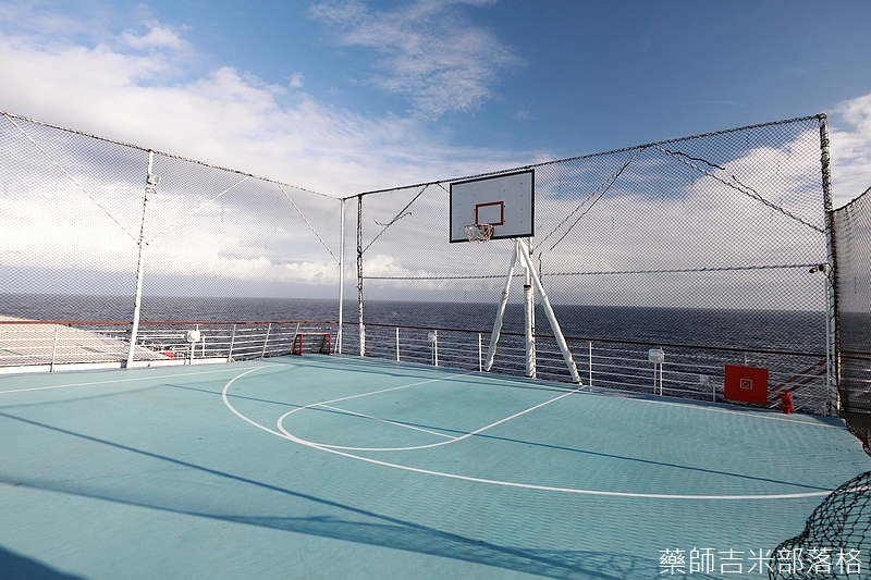 Star_Cruises_1709.jpg