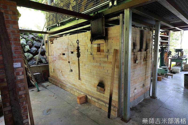 BambooHouse_400.jpg