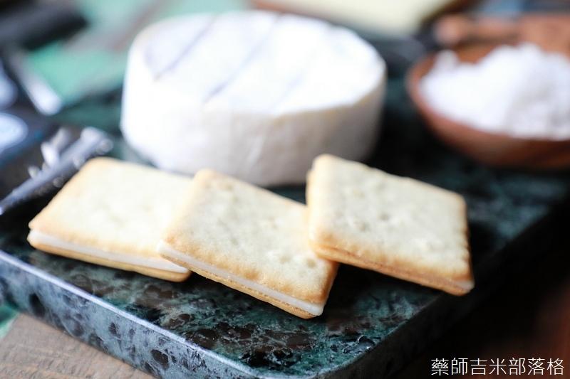 Tokyo_Milk_Cheese_015.jpg