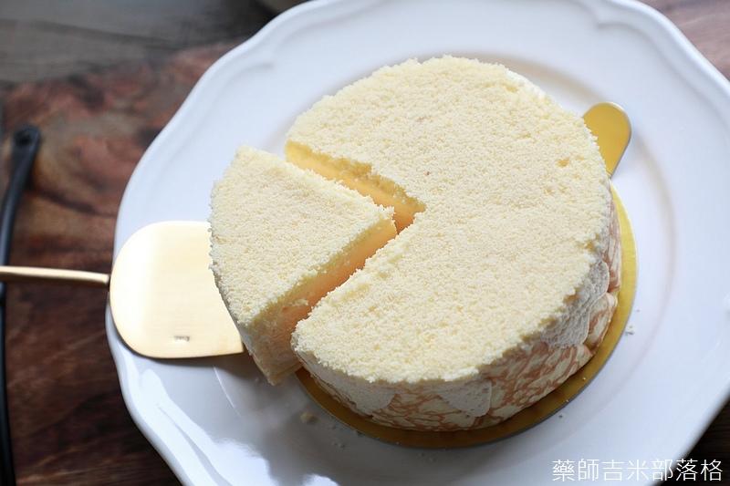 Tokyo_Milk_Cheese_057.jpg