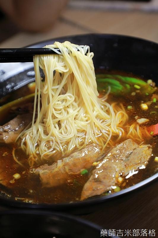 紅燒牛肉麵的肉片吃比較軟