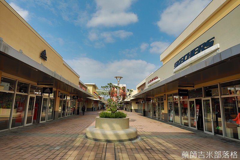 Gloria_outlets_410.jpg