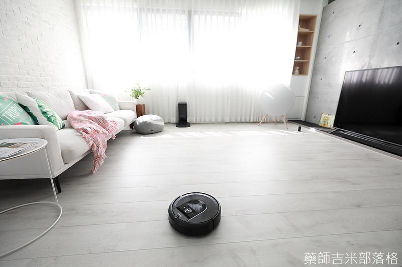 iRobot_Roomba_i7+_261.jpg
