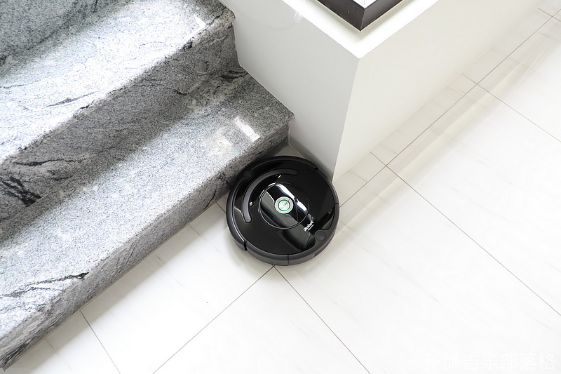iRobot_Roomba670_182.jpg