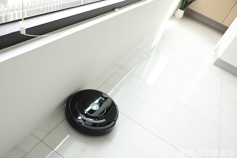 iRobot_Roomba670_191.jpg