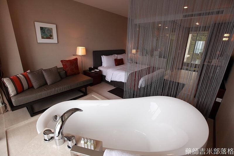 H_Resort_Room_118