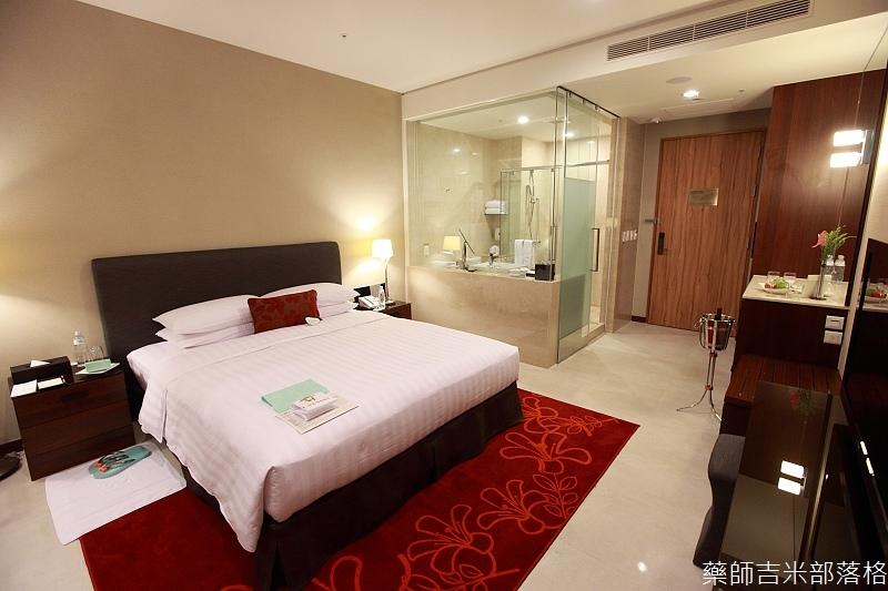 H_Resort_Room_004