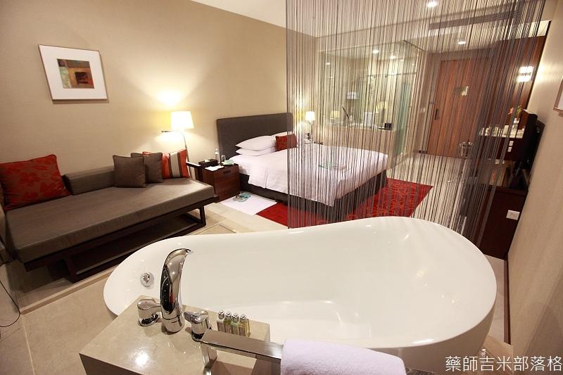 H_Resort_Room_006