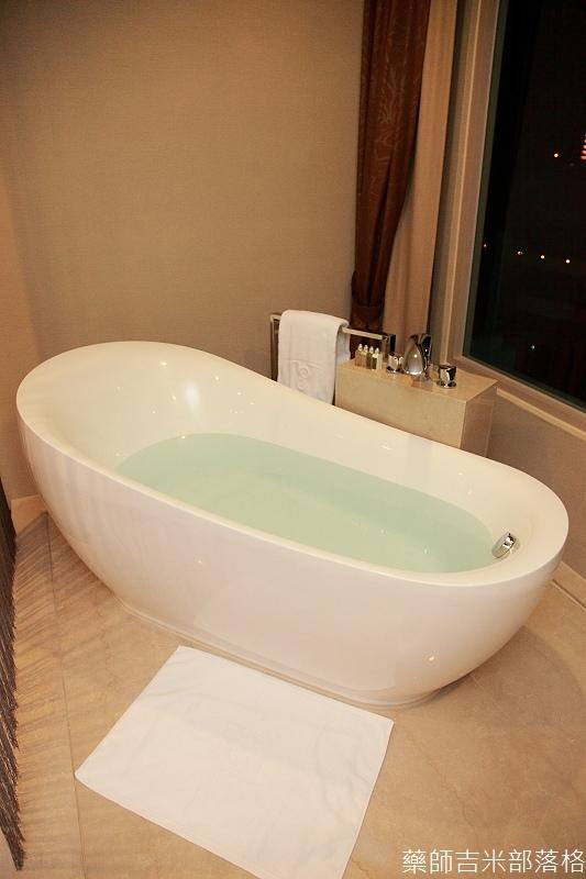 H_Resort_Room_074