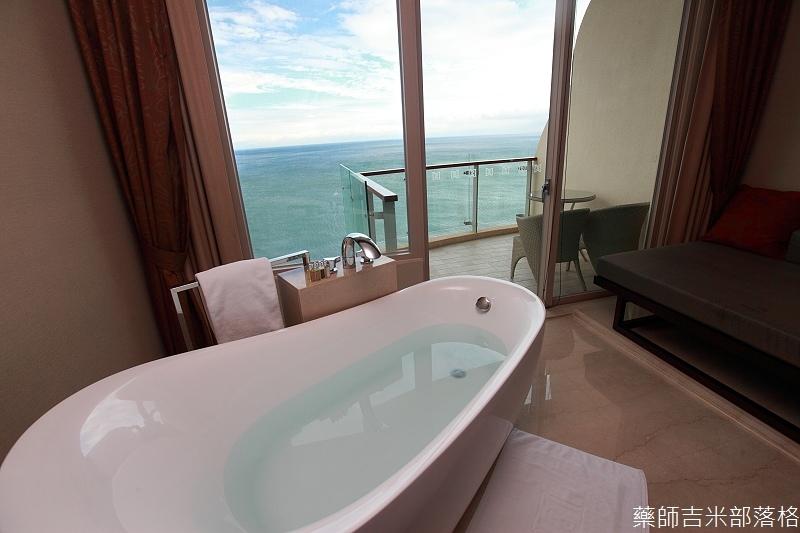 H_Resort_Room_232