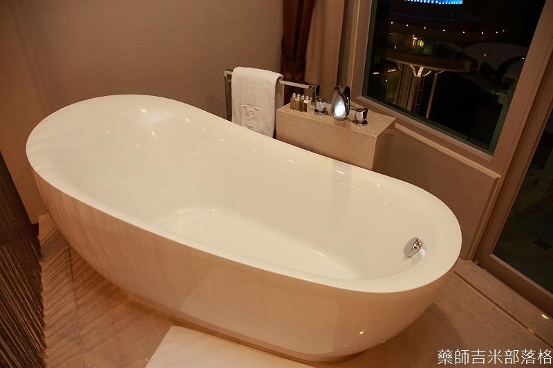 H_Resort_Room_046