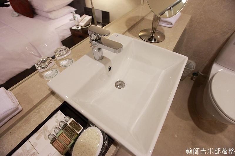 H_Resort_Room_020