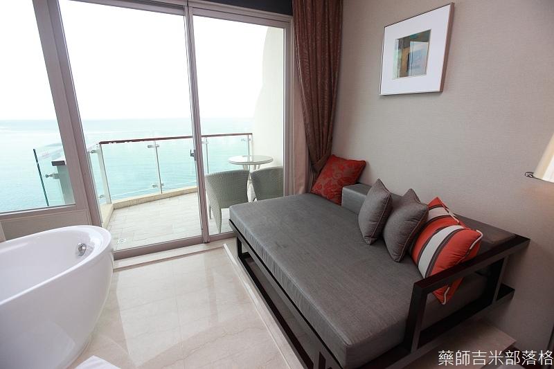 H_Resort_Room_105