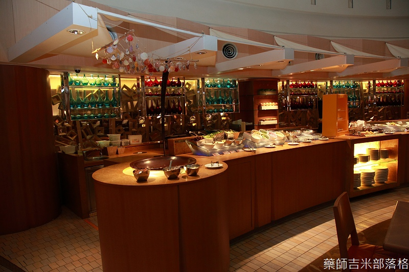Cafe_at_ Far_ Eastern_097