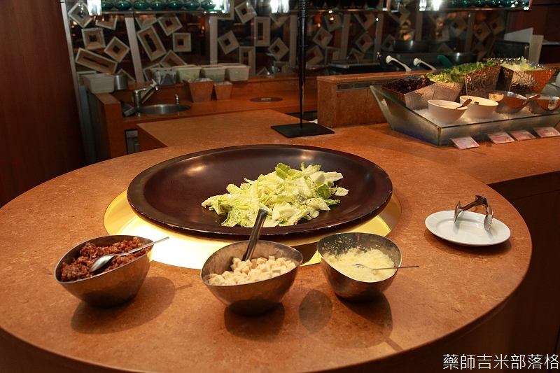 Cafe_at_ Far_ Eastern_205