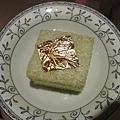 愛美診所的金箔蛋糕